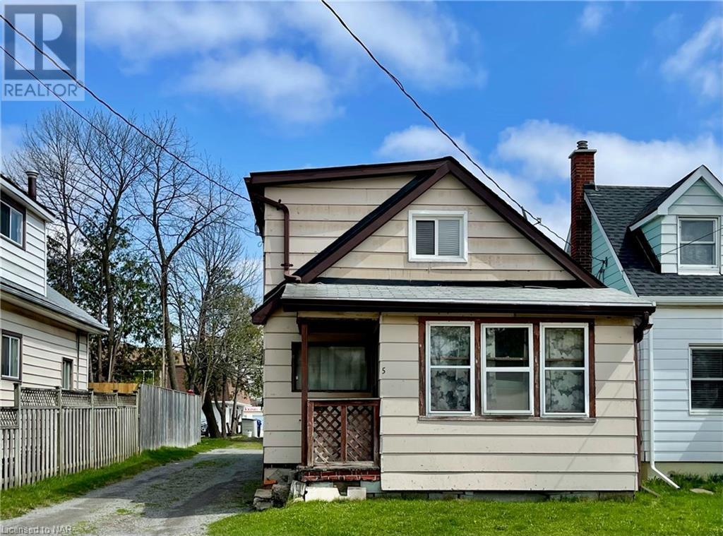 5 Deere Street, Welland, Ontario  L3B 2L7 - Photo 2 - 40096820