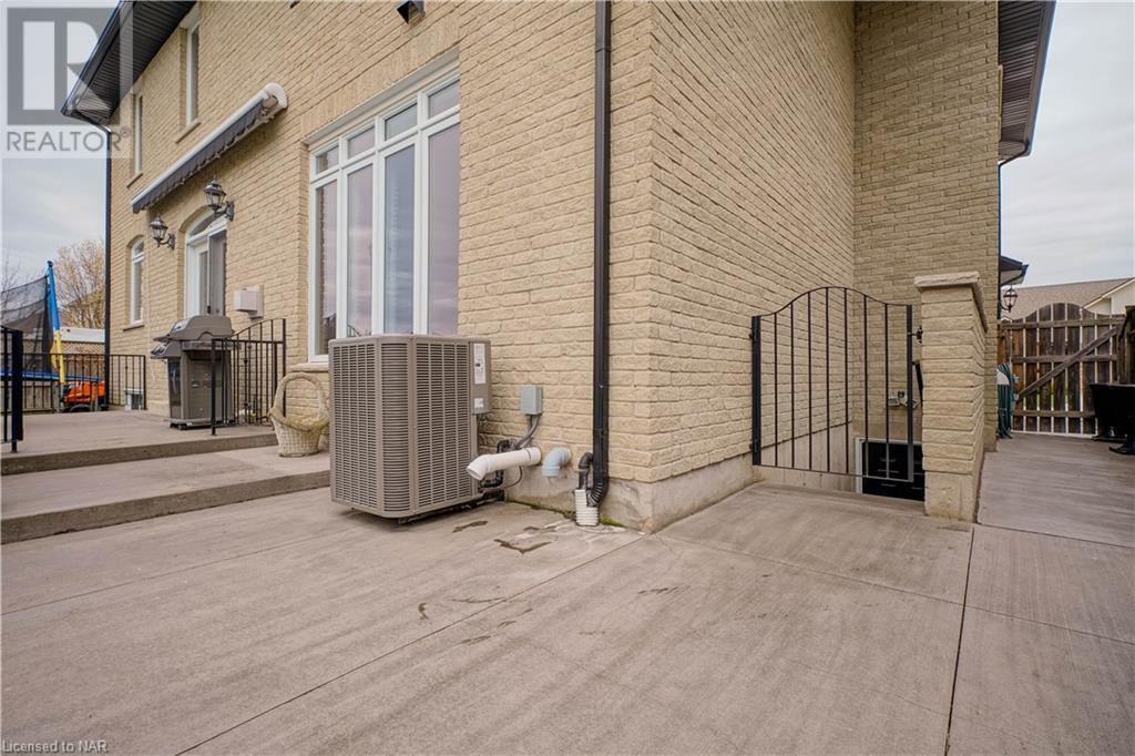 48 Arbour Glen Drive, St. Catharines, Ontario  L2W 1C6 - Photo 36 - 40095040