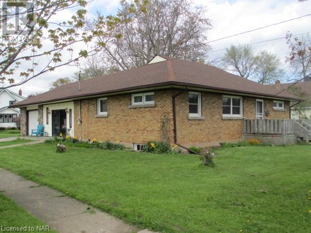 101 Bertie Street, Fort Erie, Ontario  L2A 1Y2 - Photo 1 - 40107385