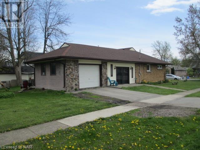 101 Bertie Street, Fort Erie, Ontario  L2A 1Y2 - Photo 2 - 40107385