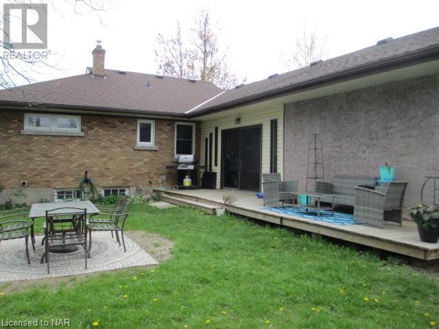 101 Bertie Street, Fort Erie, Ontario  L2A 1Y2 - Photo 4 - 40107385