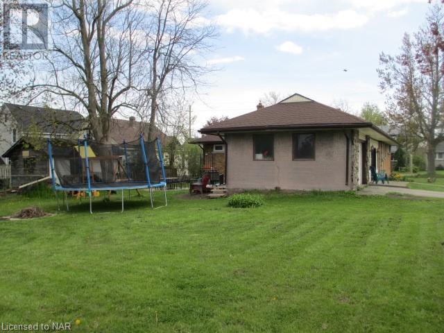 101 Bertie Street, Fort Erie, Ontario  L2A 1Y2 - Photo 5 - 40107385
